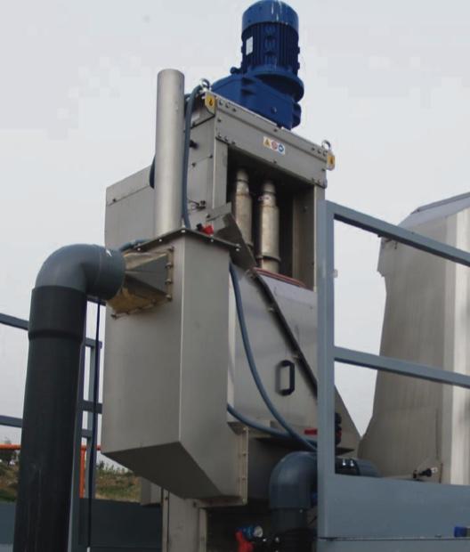 Separador Compactador con tornillo vertical para purines porcinos.
